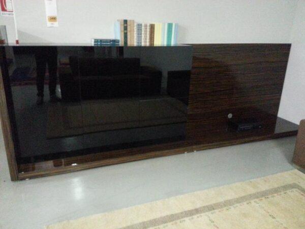 1347-1488-visma-arredo-1-srl-soggiorno-lounge-vetro-nero-ed-ebano-lucido-gallery-5386fd6df3db9256171543[1]