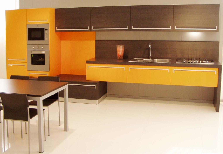 Cucina Mandarino e rovere grigio - Visma Arredo OUTLET